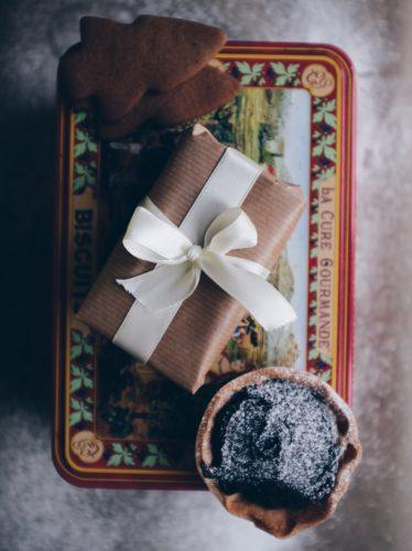 4 gifts to treat a loved one and help them through the January Blues